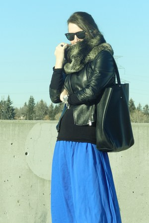 Zara pants - Bebe jacket - ROOTS bag - Ray Ban glasses - Alexander Wang heels