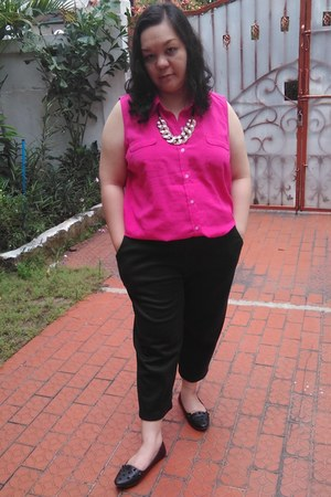 gold accessories Local store necklace - hot pink sleeveless Local store shirt