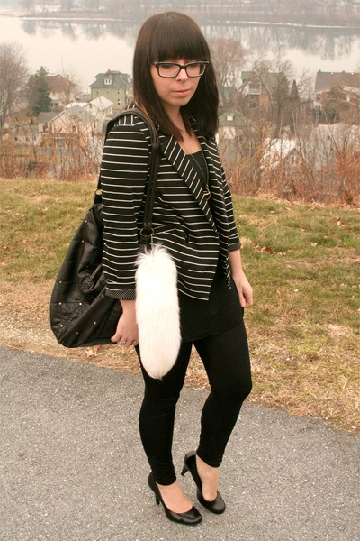 black Charlotte Russe blazer - gold Talonalia necklace - black Wet Seal leggings
