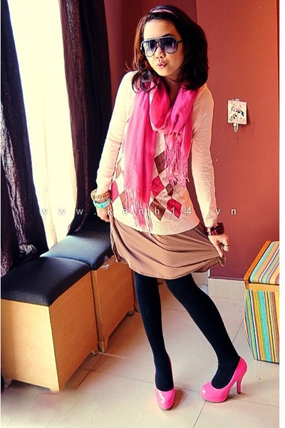 561dd1b4df6 bubble gum heels - light pink rhombic sweater - black tights - bubble gum  scarf