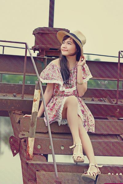 floral dress - panama hat - heels - necklace - bracelet