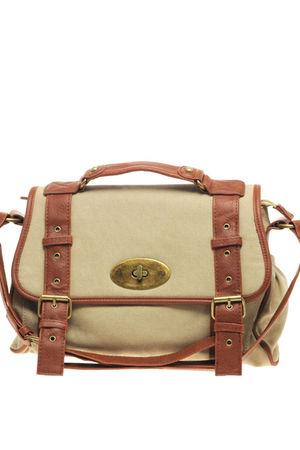 beige Oasis accessories