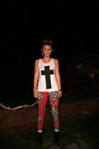 wwwthisiswhatidobigcartelcom vest - Dr Martens boots - River Island jeans