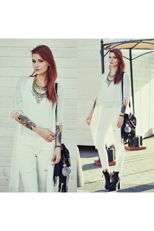 white stylemoinu jacket