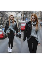 silver yoinscom sweater