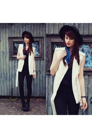 white Cubus vest