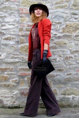 H&M blazer - H&M hat - AND t-shirt - Sisley pants - Batulu gloves - Zara heels