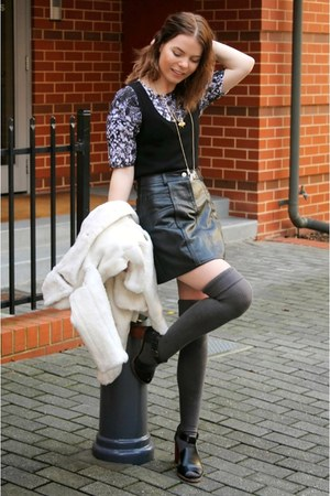 black wool Target vest - black cut out Rubi shoes boots