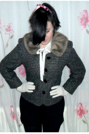 heather gray vintage blazer - black Vila shorts - cream H&M blouse - cream vinta