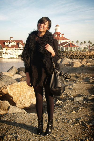 black H&M dress - black Zara vest - Target tights - H&M shoes - f21 purse