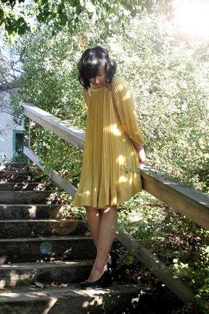gold H&M dress - black H&M shoes