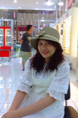 white dress dress - beige hat - white blouse