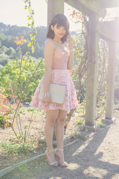 gold Crossroads Trading ring - light pink asos dress
