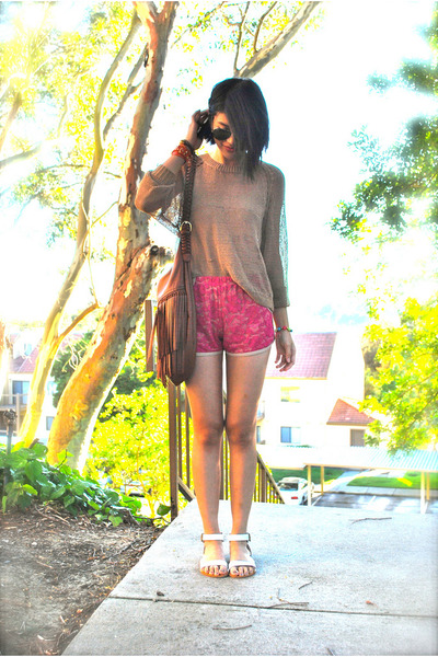 hot pink lace One Rad Girl LA shorts - tawny H&M sweater