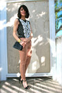 Tan-urban-outfitters-jeans-black-crossbody-thrifted-purse