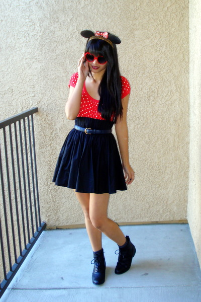 black ankle boots Forever 21 shoes - red heart sunglasses - black H&M skirt