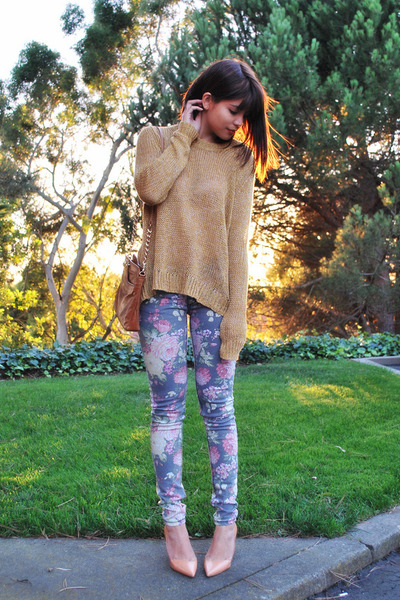 heather gray floral others follow jeans - mustard knit Theory sweater