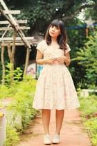 light pink 50s carol anderson dress - beige oxfords heels