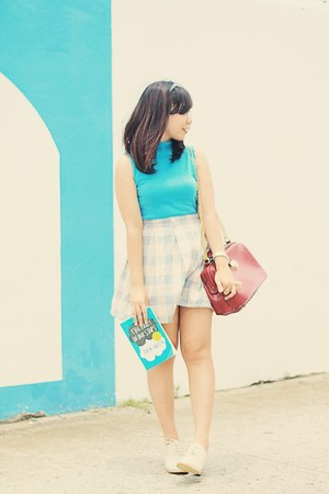 turquoise blue halter top zynic blouse - beige oxfords shoes - cream plaid skirt
