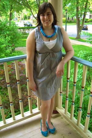 heather gray thrifted Gap dress - turquoise blue slingback G by Guess flats - wh