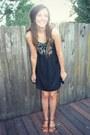 Black-embroidered-mudd-dress-brown-strappy-mudd-sandals