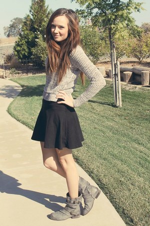 black skater skirt - heather gray motorcycle boots