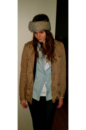 Bonneterie Bandeau hat - Gap jacket - Gap shirt