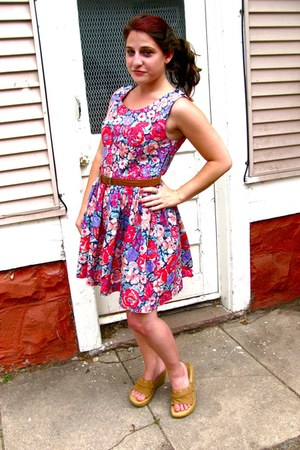 light purple floral print thrifted Laura Ashley dress - brown Goodwill belt - ta