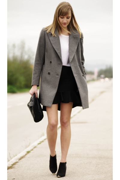 oversized Zara coat - ruffle Zara bag - Zara skirt