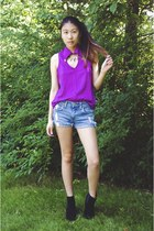 Shop Lately ring - black PacSun boots - blue Levis shorts - magenta PacSun top