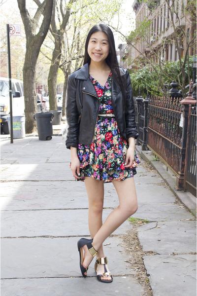 The Fashion Ninja dress - My Hot Shoes sandals