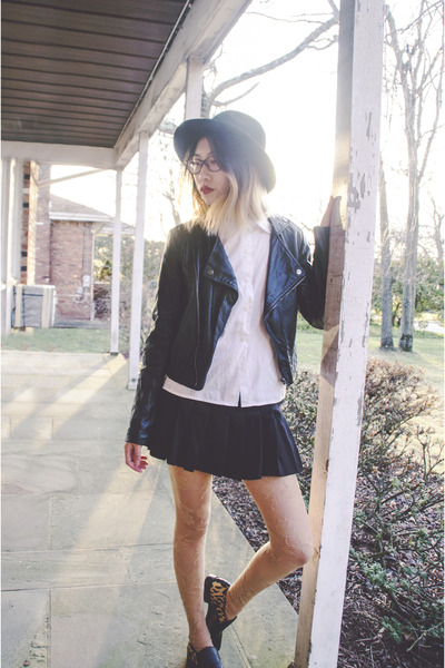 black sam edelman shoes - black vintage hat - black PacSun jacket