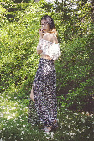 PacSun skirt - style moi top