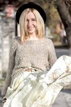 eggshell Mango skirt - black H&M hat