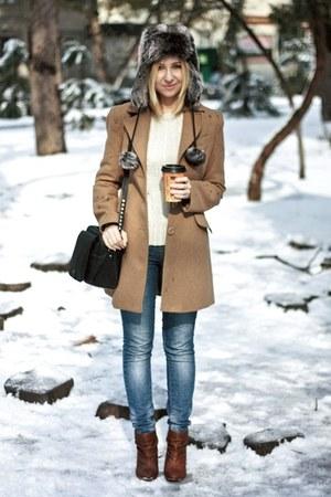 camel Stradivarius coat - brown Bershka boots - blue Zara jeans