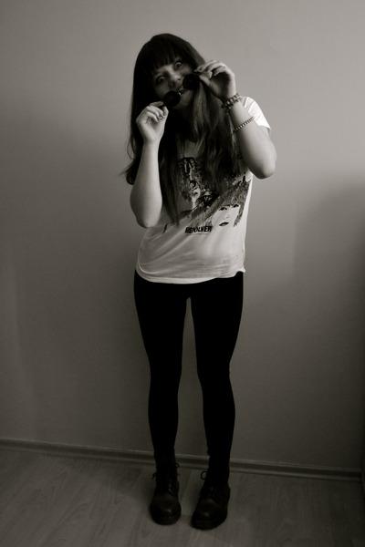 black H&M leggings - crimson Dr Martens boots - white H&M shirt
