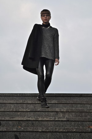 black J Crew coat - black Calzedonia leggings
