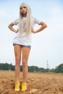 Vans-shoes-top-shop-shorts