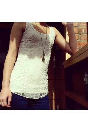 Abercrombie jeans - TJ Maxx shirt - Forever 21 necklace