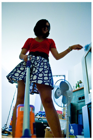 American Apparel t-shirt - homemade skirt - Marc by Marc Jacobs sunglasses