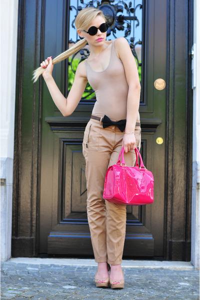 hot pink Victorias Secret bag - black vintage sunglasses - tan Zara heels
