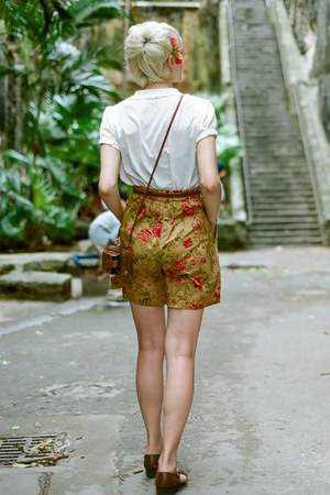 vintage shoes - vintage shorts - vintage blouse