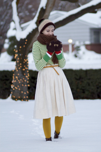 Etsy hat - vintage sweater - Joe Fresh tights - asos gloves - vintage skirt