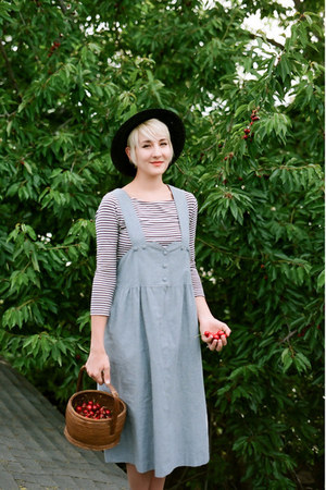 light blue thrifted dress - thrifted vintage shoes - thrifted vintage hat