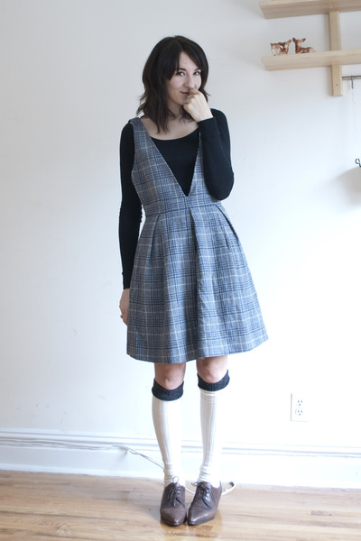 Uniqlo dress - vintage shoes - asos stockings