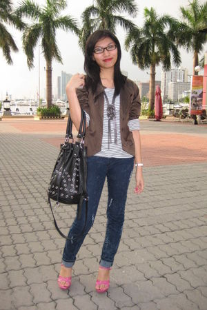 brown Plains and Prints blazer - gray top - blue pants - pink shoes - black Fore