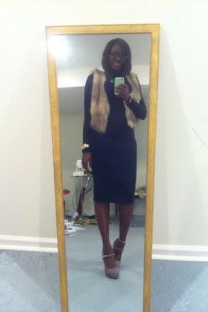tan faux fur vest H&M vest