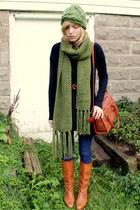 scarf - vintage leather Hanna boots - green knit hat - vintage liz claiborne bag