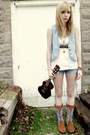Minnetonka-boots-frayed-denim-shorts-belt-american-eagle-top-handmade-br