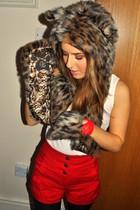 Spirit Hood accessories - Topshop shorts - River Island gloves